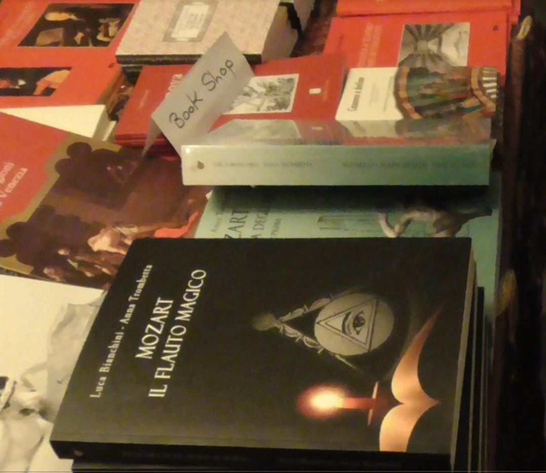 libri in esposizione al Palazzo Venier di Venezia - Fondazione Casanova